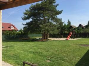 Dětské hřiště - vedle kabin